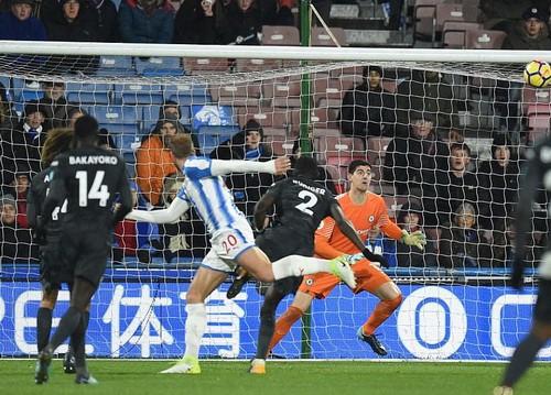 Chen chân Top 4, Burnley gây sốc sân cỏ Ngoại hạng Anh - Ảnh 10.