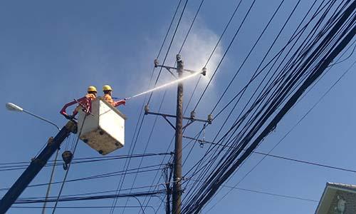 Ứng dụng công nghệ vệ sinh lưới điện không cắt điện - Ảnh 1.