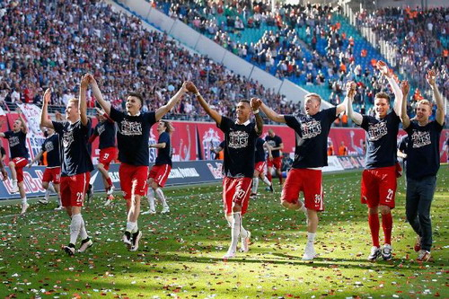 Chú bò cụng Leipzig lần đầu chào sân Champions League - Ảnh 3.