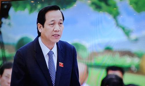 Bộ trưởng Bộ LĐ-TB-XH Đào Ngọc Dung trả lời chất vấn tại Uỷ ban Thường vụ Quốc hội sáng 18-4 - Ảnh chụp qua màn hình