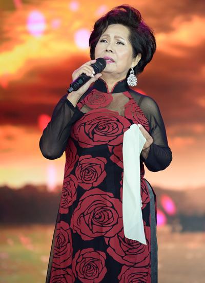 Ca sĩ Phương Dung về Úc chịu tang chồng - Ảnh 3.