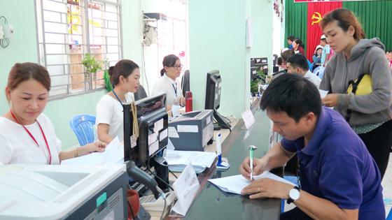 Sửa quy định nhằm tránh trùng hưởng trợ cấp thất nghiệp - Ảnh 1.