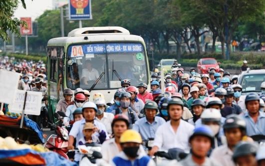 Đường Trường Chinh - tuyến đường chính ở cửa ngõ phía Tây Bắc TP HCM thường xuyên xảy ra kẹt xe
