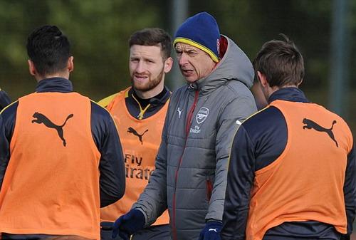 Lãnh đạo Arsenal vẫn muốn giữ chân Wenger 2 mùa nữa