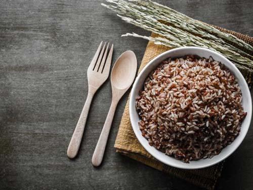 Gạo lức, dạng hạt thô được sử dụng khá phổ biến ở nhiều nước châu Á Ảnh: MNT