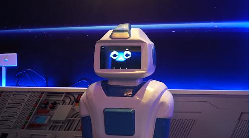 Quán cà phê đầu tiên có robot phục vụ tại Việt Nam - Ảnh 3.
