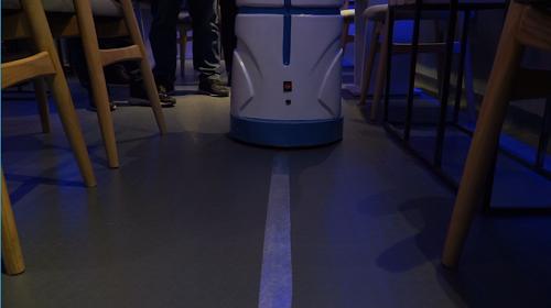 Quán cà phê đầu tiên có robot phục vụ tại Việt Nam - Ảnh 5.
