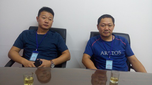 Bắt quả tang 2 thương lái Trung Quốc thu mua tôm trái phép - Ảnh 1.