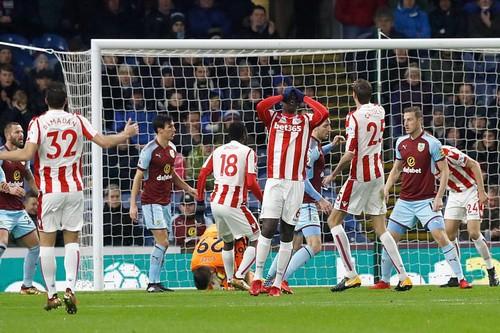 Chen chân Top 4, Burnley gây sốc sân cỏ Ngoại hạng Anh - Ảnh 4.
