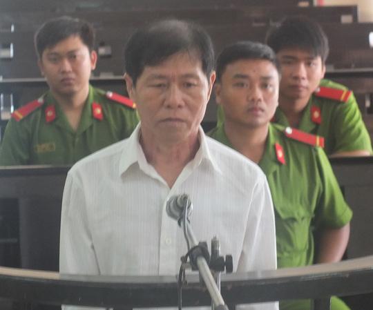 Hoặc Văn Thòn bị xử phạt 15 năm tù vì hiếp dâm bé gái 10 tuổiẢnh: Nguyễn Huynh