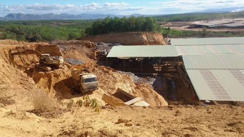 Khu nhà xưởng rộng cả ngàn mét vuông xây trái phép để khai thác gạch
