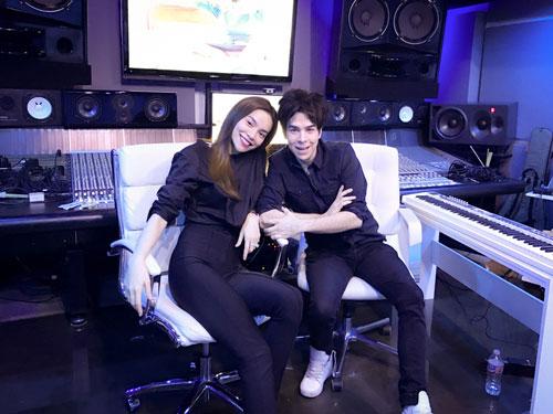 Hồ Ngọc Hà đến Hollywood tìm sự hợp tác cùng với nhà sản xuất âm nhạc Fernando Garibay. (Ảnh do nghệ sĩ cung cấp)