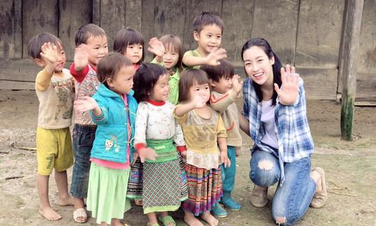 Mỹ Linh vào tốp 5 Người đẹp nhân ái tại Miss World 2017 - Ảnh 1.