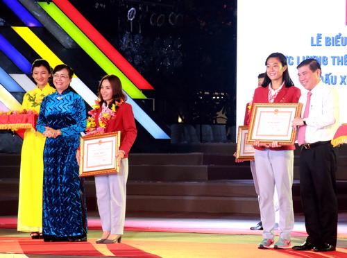 TP HCM khen thưởng hơn 2,2 tỉ cho HLV-VĐV SEA Games 2017 - Ảnh 5.