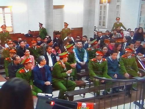Hà Văn Thắm cùng 47 bị cáo khác ra tòa sáng 27-2