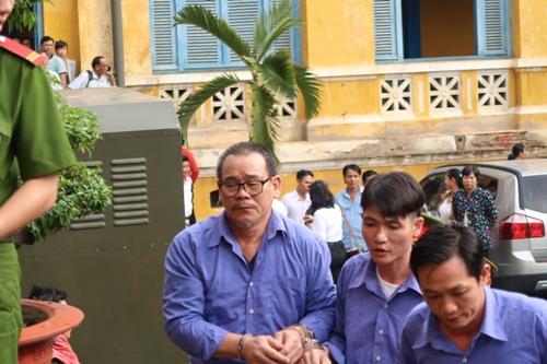 Đang xử vụ đàn em Năm Cam truy sát người ở bệnh viện - Ảnh 2.
