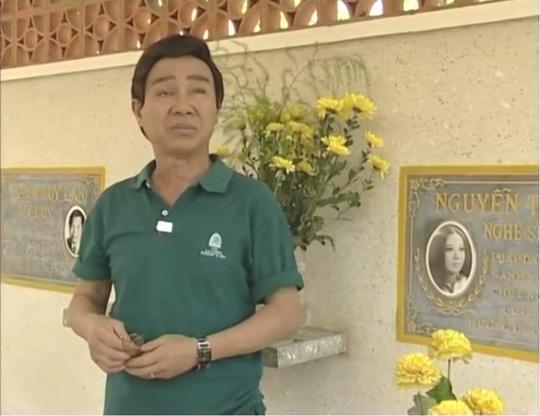 NSƯT Thanh Sang đã về nơi an nghỉ cuối cùng, hội ngộ với NSƯT Thanh Nga, người bạn diễn mà ông yêu quý trên sân khấu Thanh Minh, Thanh Nga. Bức ảnh do nhà báo Thanh Hiệp chụp năm 2007 khi ông đến viếng mộ NSƯT Thanh Nga