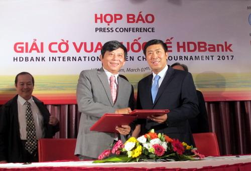 Lãnh đạo HDBank ký hợp đồng tài trợ giai đoạn 2019-2023