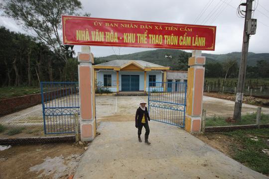 Nhà văn hóa thôn Cẩm Lãnh là một trong số các công trình bị tố có nhiều khuất tất ở xã Tiên Cẩm