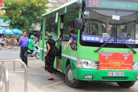 Sếp phó và 8 thuộc cấp ngành xe buýt bị đình chỉ - Ảnh 1.