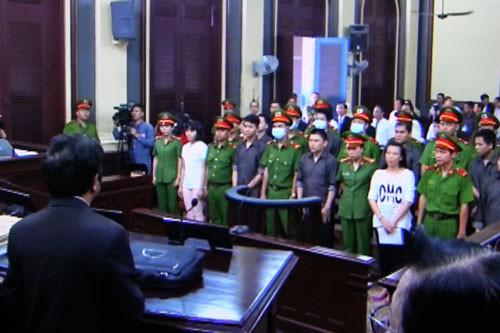 Vụ khủng bố Sân bay Tân Sơn Nhất: Mức án nghiêm khắc cho các bị cáo - Ảnh 1.