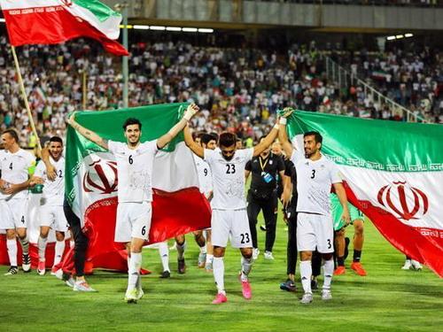 Đội bóng châu Á đầu tiên giành vé dự World Cup 2018 - Ảnh 3.