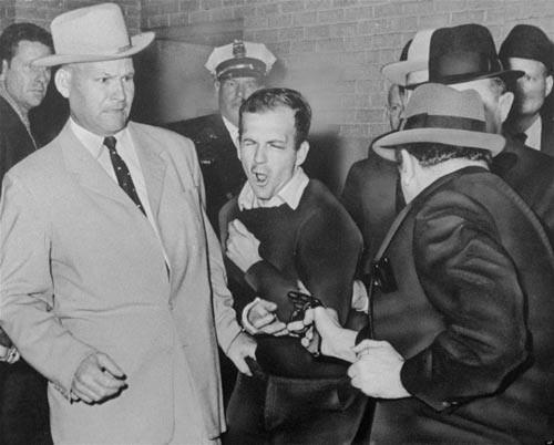 Giải mật hồ sơ J.F.Kennedy: Lòng tin chao đảo - Ảnh 1.