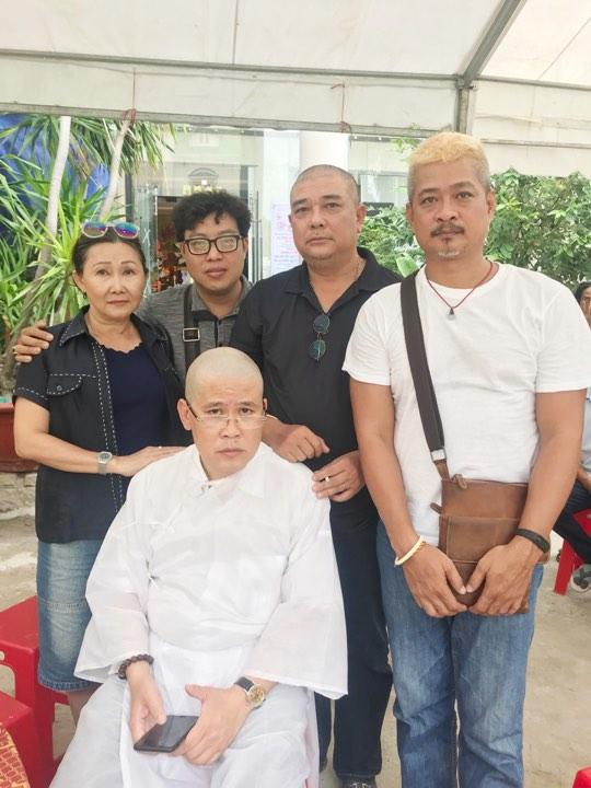 NS Phước Sang xuống tóc thọ tang cha - Ảnh 4.