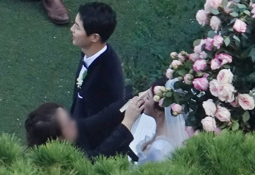 Mỹ nhân Song Hye Kyo theo Song Joong Ki về dinh - Ảnh 5.