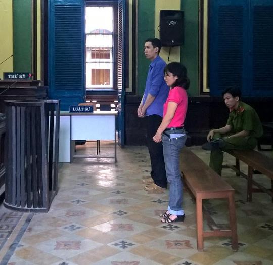Bị can Phú Minh Hòa và Đặng Thị Thu Hương tại tòa