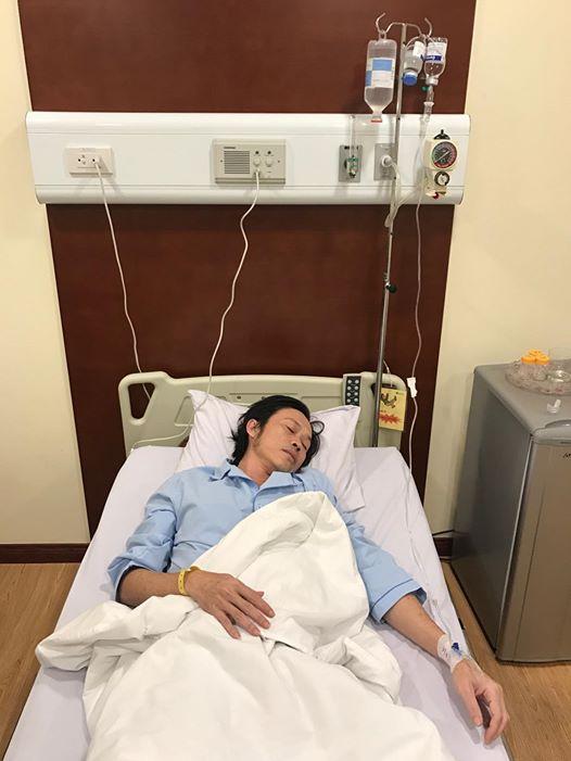 NS ƯT Hoài Linh trong phòng điều trị của BV Hoàn Mỹ
