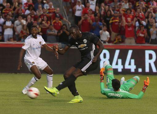 "Lukaku ""khai hỏa"", M.U ngược dòng thắng Real Salt Lake"