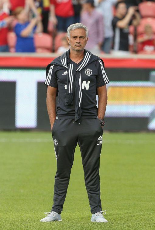 HLV Mourinho bàng hoàng sau khi M.U nhận bàn thua sớm
