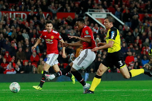 Cúp Liên đoàn Anh: Đại gia thắng to, Arsenal chật vật đi tiếp - Ảnh 7.