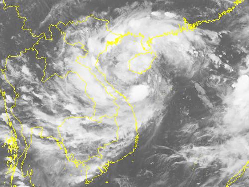 Bão đổ bộ vào Hà Tĩnh - Quảng Trị, cảnh báo mưa lớn - Ảnh 2.