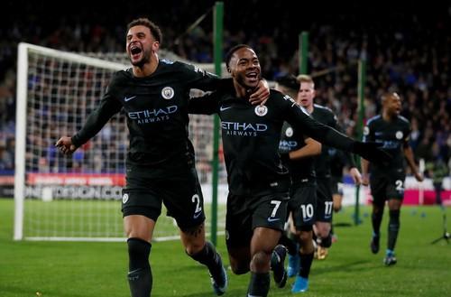 Man City thoát hiểm ở vòng đấu kỳ lạ giải Ngoại hạng - Ảnh 3.