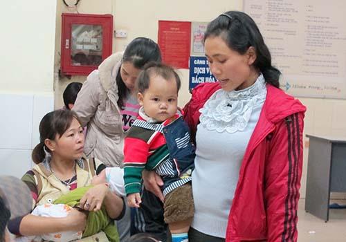 """Mẹ Việt """"lười"""" sinh con"""