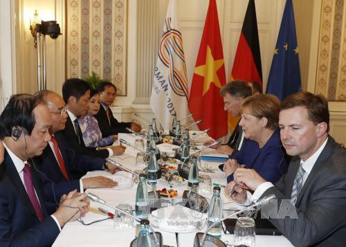 Hai Thủ tướng hội đàm: Đức ủng hộ lập trường của Việt Nam về Biển Đông - Ảnh 2.