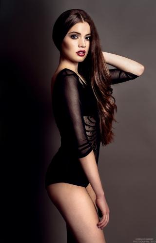 Cận cảnh nhan sắc Tân Hoa hậu Hoàn vũ Đức - Ảnh 3.