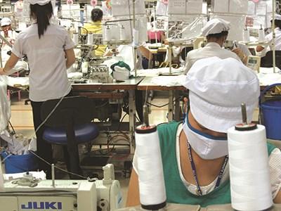 Pháp luật có quy định rõ những ngành nghề được phép cho thuê lại lao động (ảnh minh họa) - Ảnh: L.T
