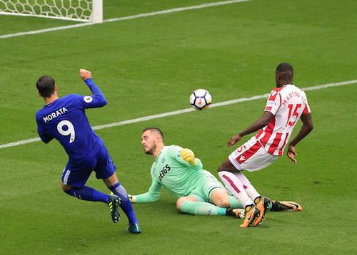 Morata lập hat-trick, Chelsea hạ đẹp Stoke - Ảnh 2.