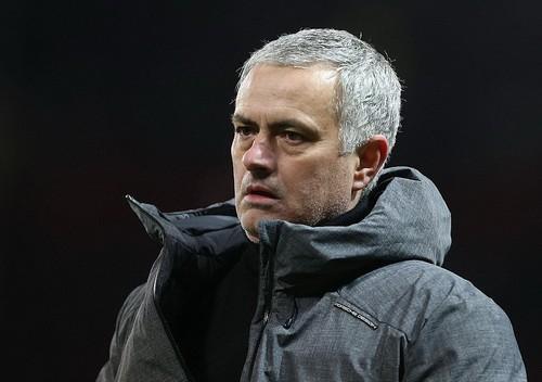 Jose Mourinho mắng cầu thủ Man City vô giáo dục - Ảnh 1.