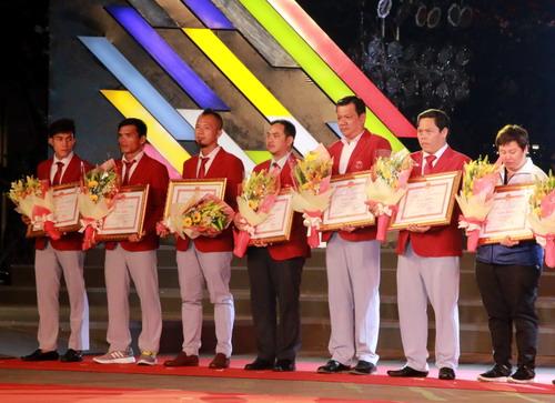TP HCM khen thưởng hơn 2,2 tỉ cho HLV-VĐV SEA Games 2017 - Ảnh 8.