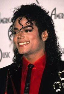 Michael Jackson vẫn kiếm tiền khủng dù đã qua đời - Ảnh 1.