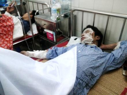 Một công nhân đang được điều trị tại bệnh viện Việt-Tiệp