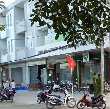 Ngân hàng Vietcombank chi nhánh thị xã Duyên Hải, nơi xảy ra vụ cướp. Ảnh: Minh Hào