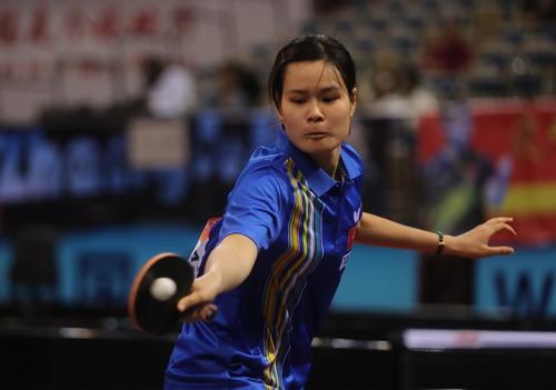 Tay vợt trẻ Nguyễn Thị Nga