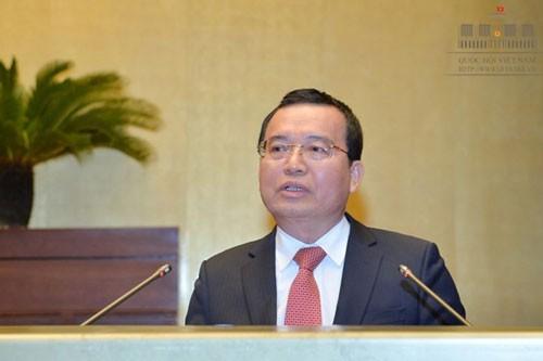 Cựu Chủ tịch PVN Nguyễn Quốc Khánh xộ khám - Ảnh 1.