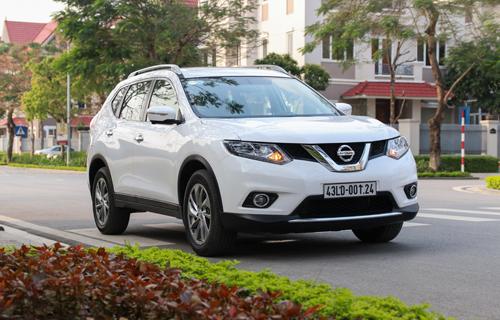 Nissan X-Trail vẫn giữ mức ưu đãi cao khoảng 100 triệu.