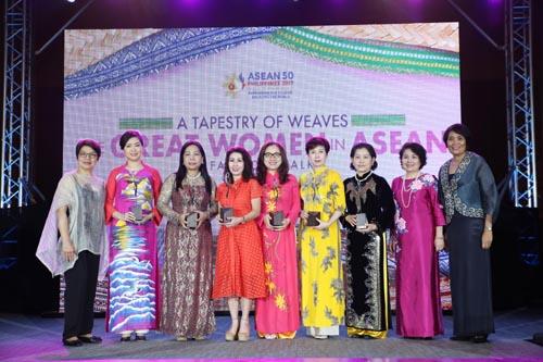 """Phó chủ tịch SeABank được vinh danh """"Doanh nhân nữ tiêu biểu ASEAN"""" - Ảnh 1."""
